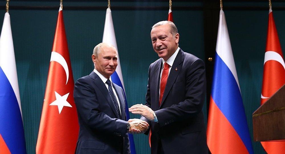 Σόλομον Πάσι: «Σε περίπτωση πολέμου ΝΑΤΟ και Ρωσίας, η Τουρκία θα πάρει το μέρος του Πούτιν»