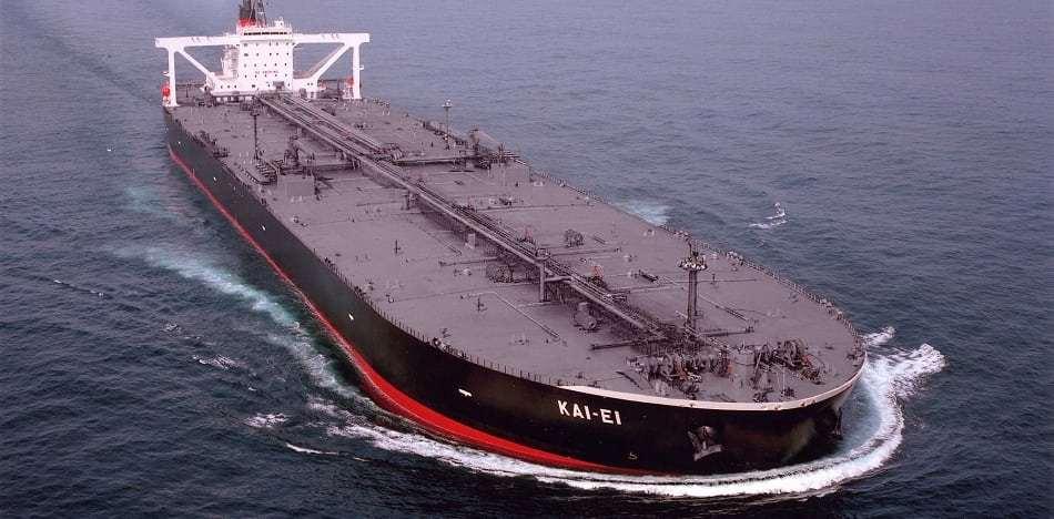 Η απάντηση της Βενεζουέλας στις ΗΠΑ: «Θα εκπληρώσουμε τις υποχρεώσεις μας με την αποστολή πετρελαίου στην Κούβα»