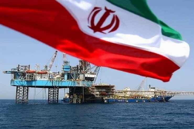 """Οι ΗΠΑ αποφασίζουν τον πλήρη """"αποκλεισμό"""" του ιρανικού πετρελαίου από τις αγορές"""