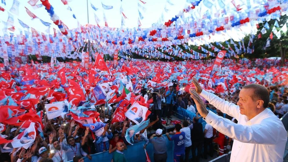 """Το άστρο του Ερντογάν """"δύει"""": Νέα πολιτική πραγματικότητα στην Τουρκία"""