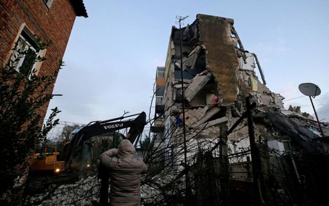 Ισχυρός σεισμός 6,4 Ρίχτερ έπληξε την Αλβανία – Δεκάδες τραυματίες – Κατέρρευσαν πολυκατοικίες (Vid)