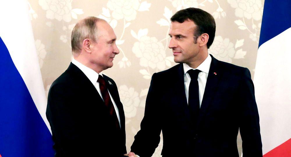 """Γερμανός Ερευνητής Εξηγεί Γιατί ο Γάλλος Πρόεδρος Μακρόν """"δεν θεωρεί"""" εχθρό του τη Ρωσία"""
