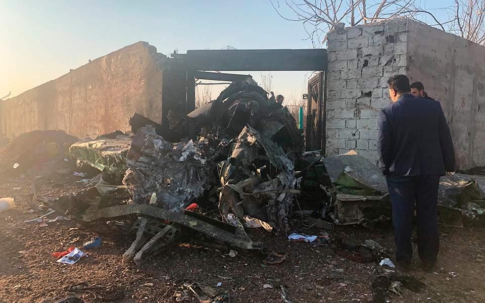 Αεροπορική τραγωδία στο Ιράν με Ουκρανικό Boeing 737  – Δεν υπάρχουν επιζώντες