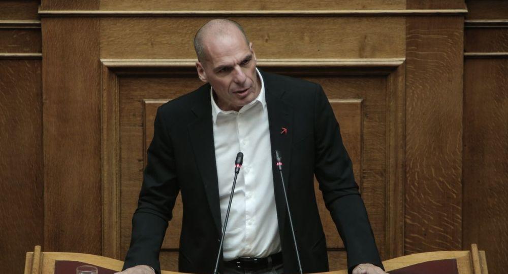 Γιάνης Βαρουφάκης: «Η Ελλάδα δεν έχει ανάγκη τις Ηνωμένες Πολιτείες»