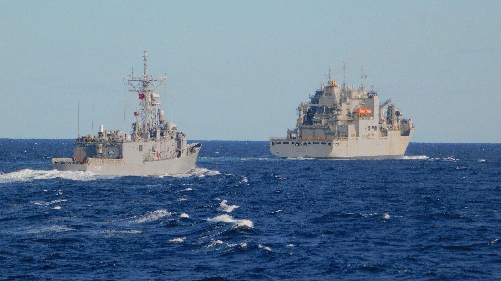 """Δύο τουρκικές φρεγάτες πλησίασαν τις ακτές της Λιβύης – Ποιο είναι το """"σχέδιο"""" της Τουρκίας..;"""