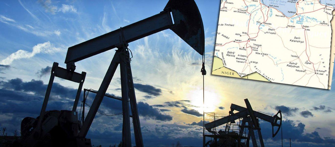 """Οργάνωση που πρόσκειται στον Χ. Χαφτάρ """"προειδοποιεί"""" με κλείσιμο του μεγαλύτερου πετρελαϊκού κοιτάσματος της Λιβύης"""