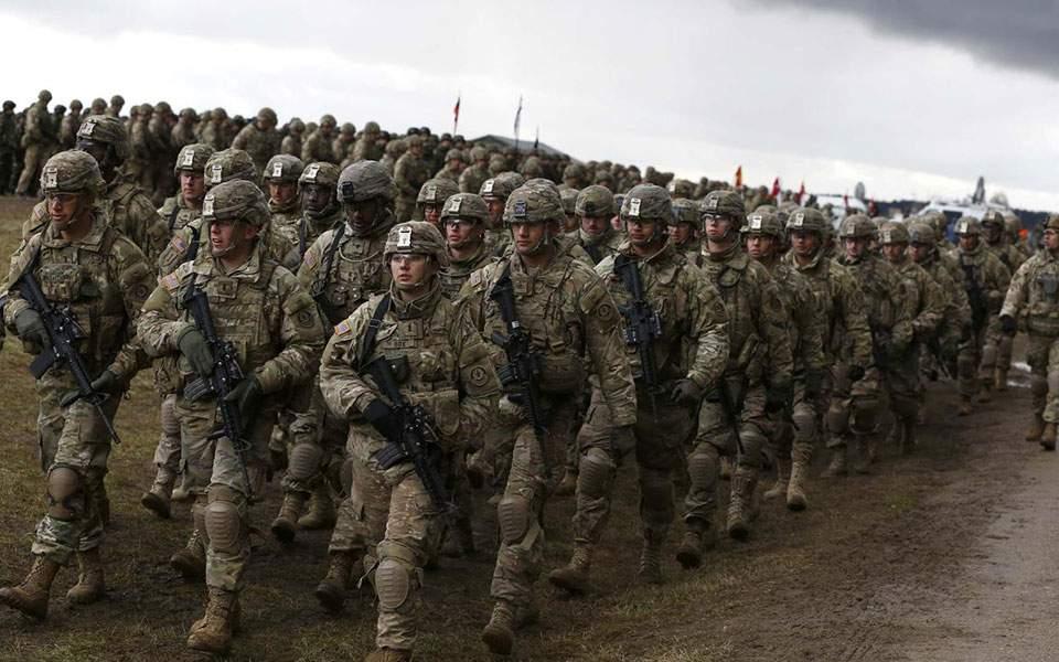 """Ανατροπή: Πάνω που οι ΗΠΑ """"έλεγαν"""" ότι αποχωρούν από τη Συρία, τώρα στέλνουν στρατεύματα 3.500 ανδρών στη Μέση Ανατολή"""