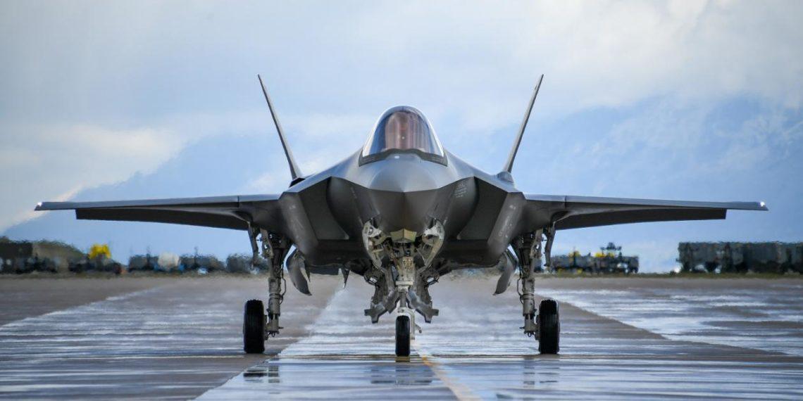 """Μ. Τσαβούσογλου: """"Δεν πρέπει να ανησυχεί η Αμερική για τους ρωσικούς S-400. Είναι συμβατοί με τα αμερικανικά F-35.."""""""