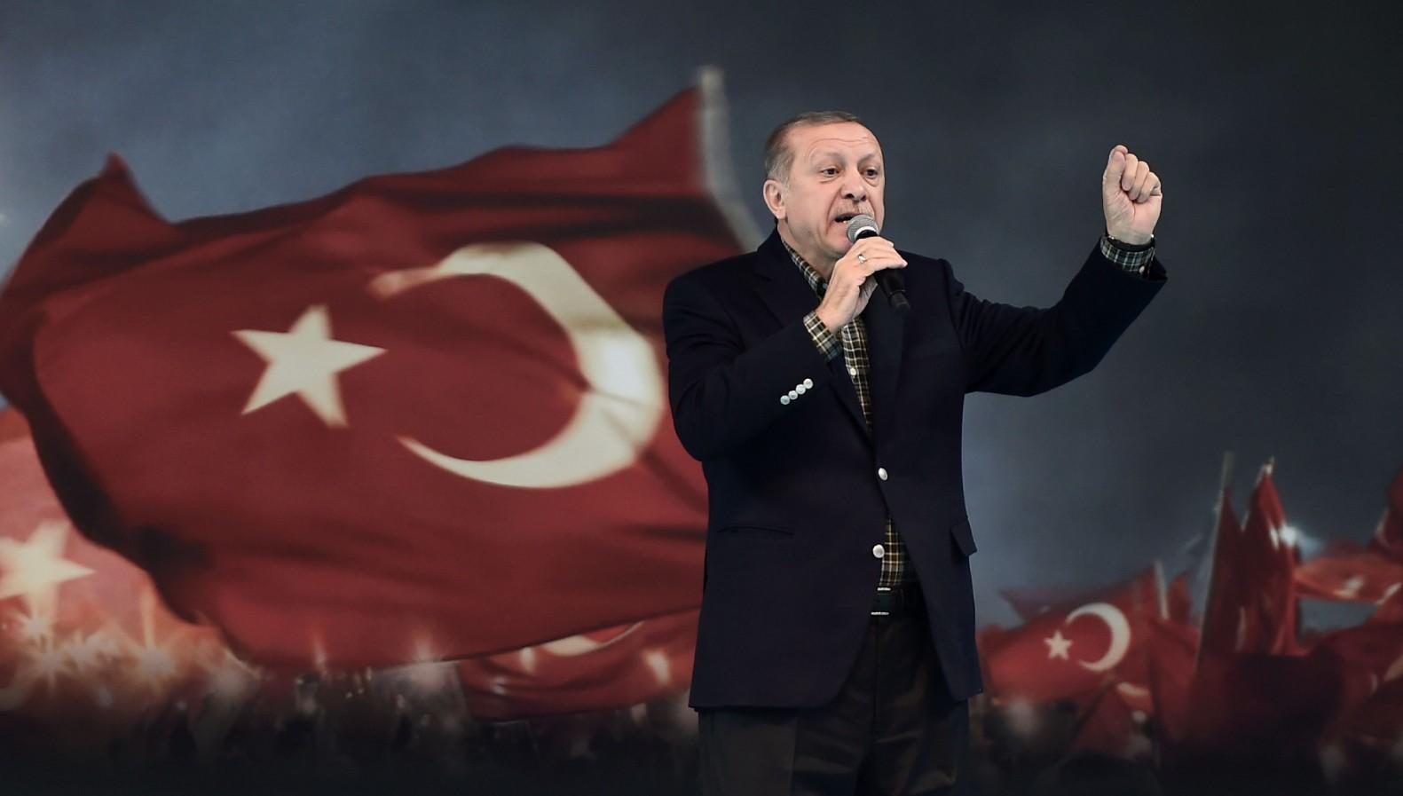"""Σάββας Καλεντερίδης: """"Ο Ερντογάν θέλει να γονατίσει την Ελλάδα.."""" (Vid)"""