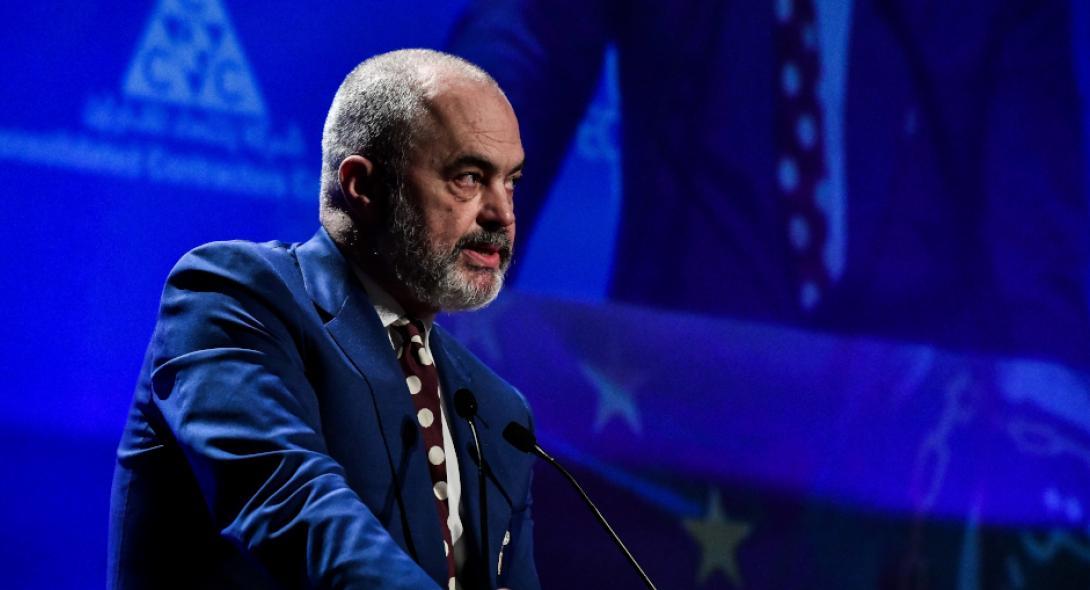 """Η Αλβανία """"σφραγίζει"""" τα σύνορά της με την Ελλάδα λόγω έξαρσης του ιού"""