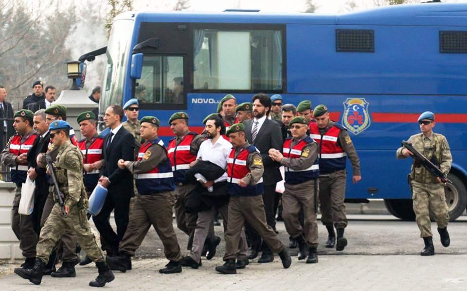 Ο Ερντογάν αποφυλακίζει δεκάδες χιλιάδες κρατούμενους από τις τουρκικές φυλακές λόγω κορωναϊού