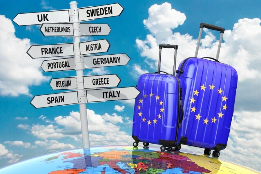 """Τουρισμός τριών μηνών στην Ελλάδα – Με """"υγειονομικό διαβατήριο"""" οι τουρίστες θα έρχονται στη χώρα μας"""
