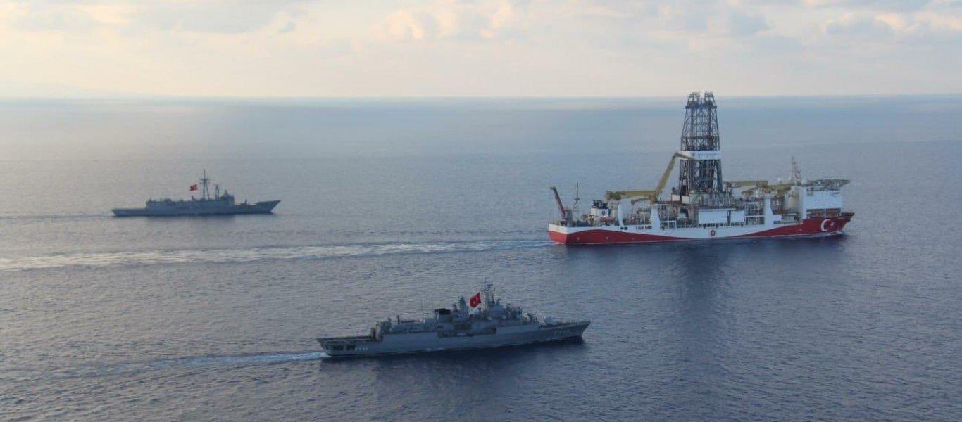 Yavuz & τουρκική φρεγάτα στην κυπριακή ΑΟΖ, ύστερα από την αποχώρηση της αμερικανικής Exxon Mobil