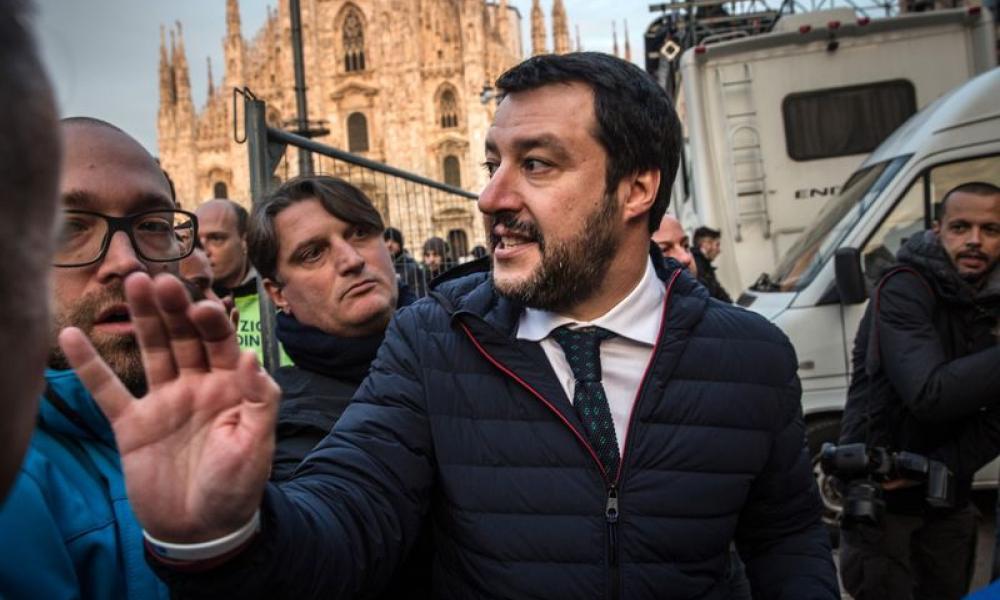 """Μ. Σαλβίνι: """"Η Ελλάδα ξεπούλησε τα λιμάνια & τα αεροδρόμια με εντολή της Μέρκελ – Να μην τολμήσει να πράξει το ίδιο στην Ιταλία"""""""