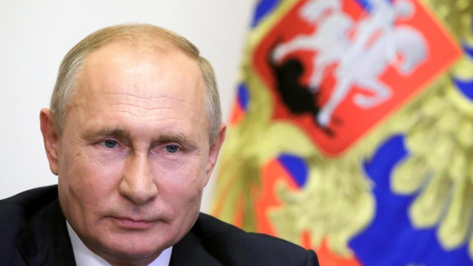Ο Πούτιν ανοίγει τον δρόμο για τα «διαβατήρια εμβολιασμού» στα διεθνή ταξίδια
