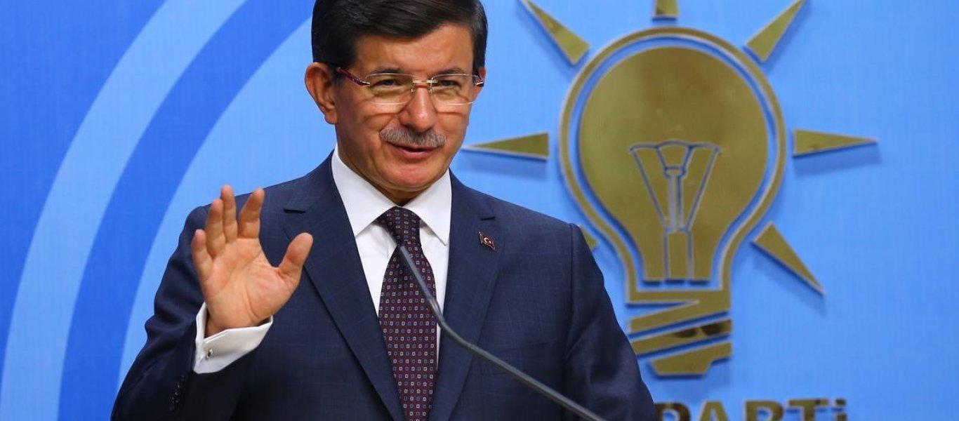 """Μ. Νταβούτογλου: «Θα γίνει νέο πραξικόπημα στην Τουρκία για να """"καθαρίσουν"""" τον Ερντογάν»"""