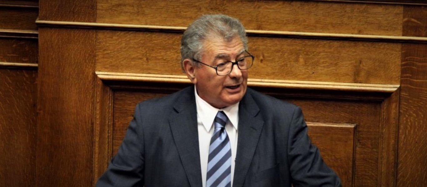 Τραγωδία στον Ευβοϊκό κόλπο: Νεκρός βρέθηκε ο πρώην υπουργός Σήφης Βαλυράκης στα βράχια νησίδας