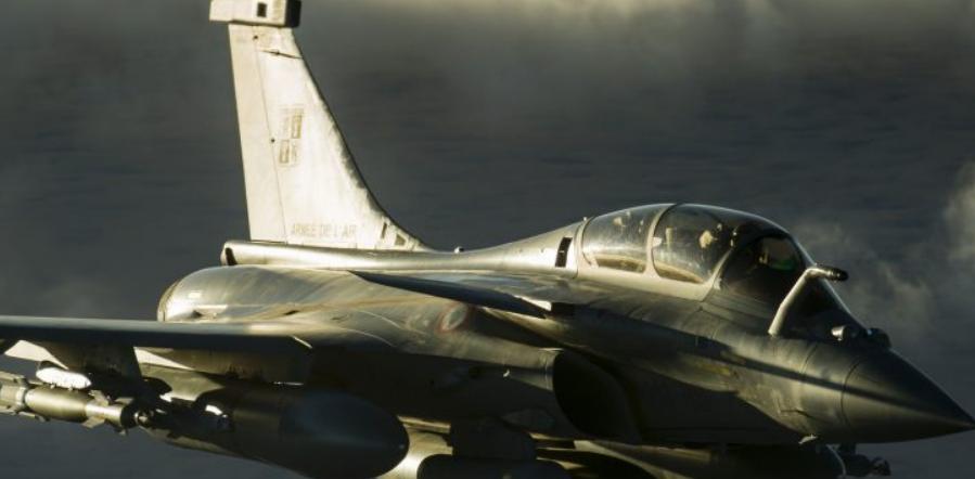 """Ξεκίνησαν πτήσεις """"solo"""" Ελλήνων πιλότων με τα γαλλικά μαχητικά ραφάλ"""