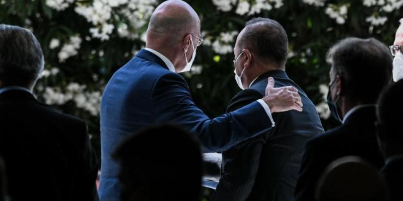 """Σε 25 θέματα """"συνεργασίας"""" συμφώνησαν Δένδιας & Τσαβούσογλου"""